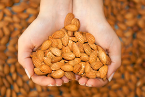 almonds to keep your skin healthy